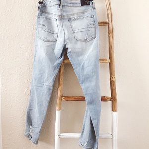 American Eagle Outfitters Jeans - NWT American Eagle Low Rise Distressed Jegging